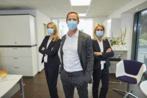 team mit masken